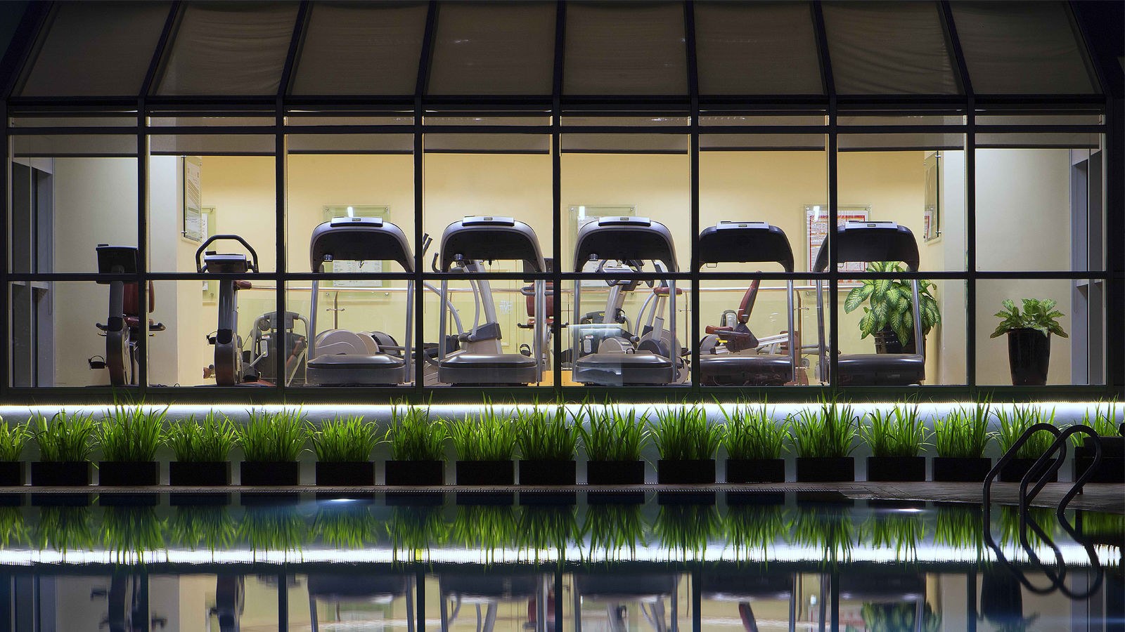 Sheraton Fitness by pool