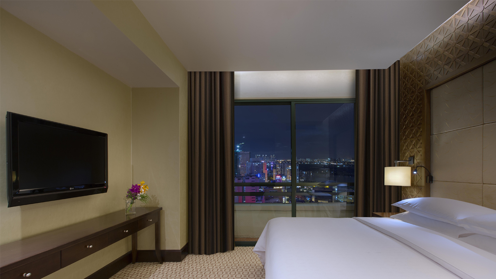Grand Tower Suite, Sheraton Saigon Hotel & Towers