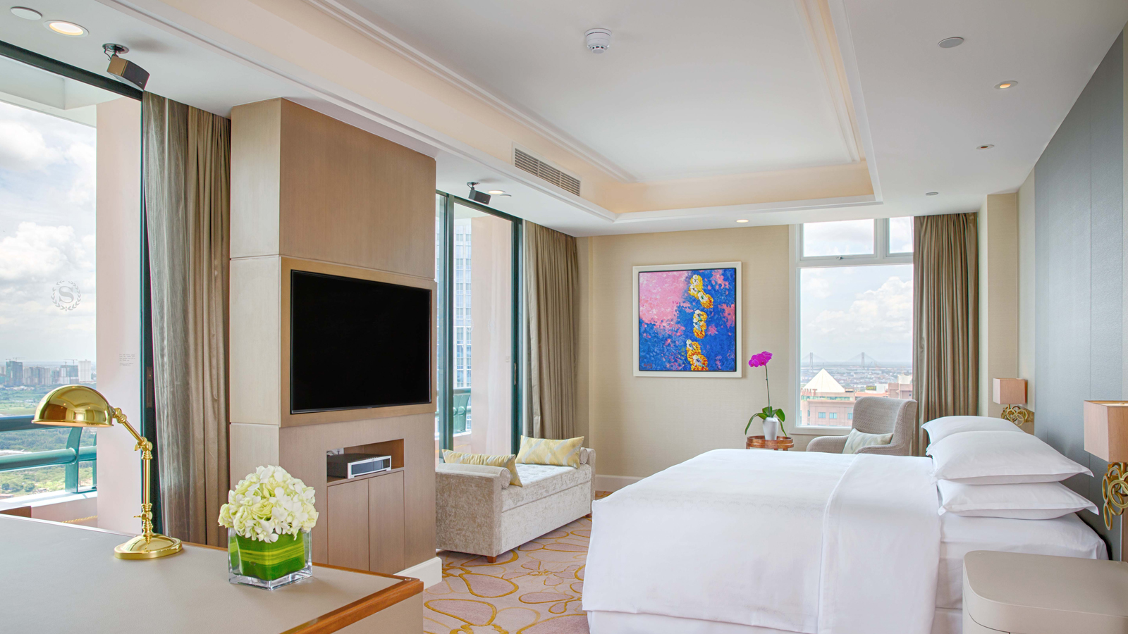 Grand Tower Presidential Suite - Bedroom, Sheraton Saigon Hotel & Towers